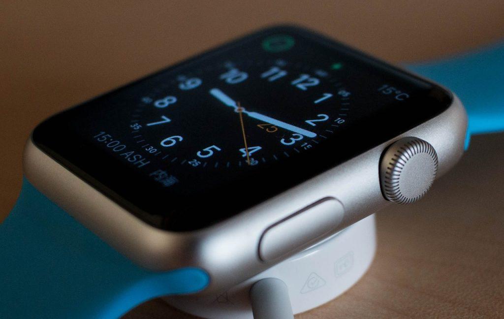Saphiglas bei einer Smartwatch liefert mehr Stabilität